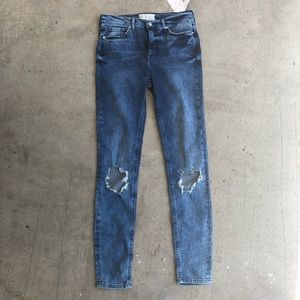 Free People distressed skinny jeans size 28 L NWT
